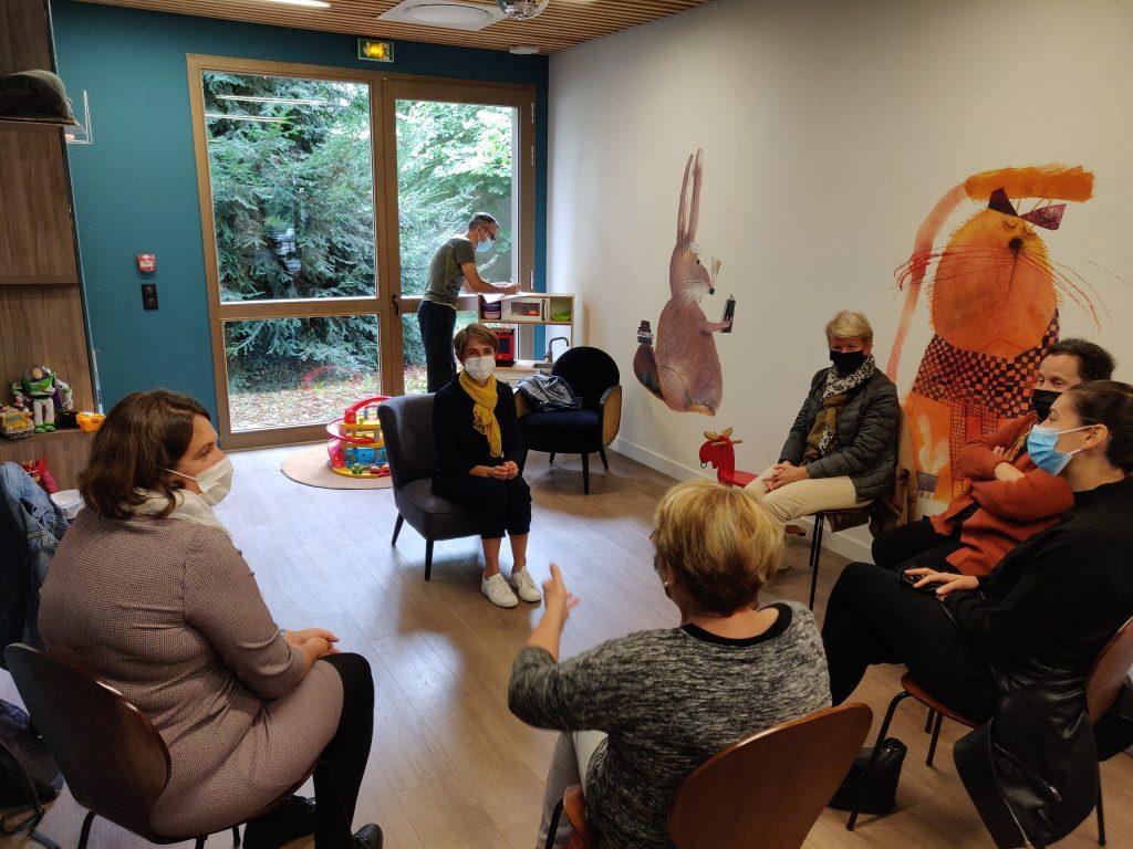 Des ateliers divers étaient proposés aux aidants, comme ici la sophrologie.